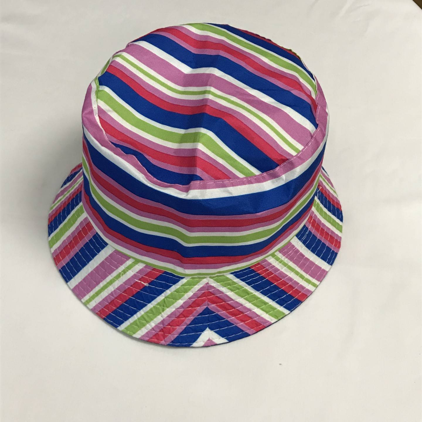 PINK AND BLUE REVERSIBLE BUCKET HAT AGES 12+